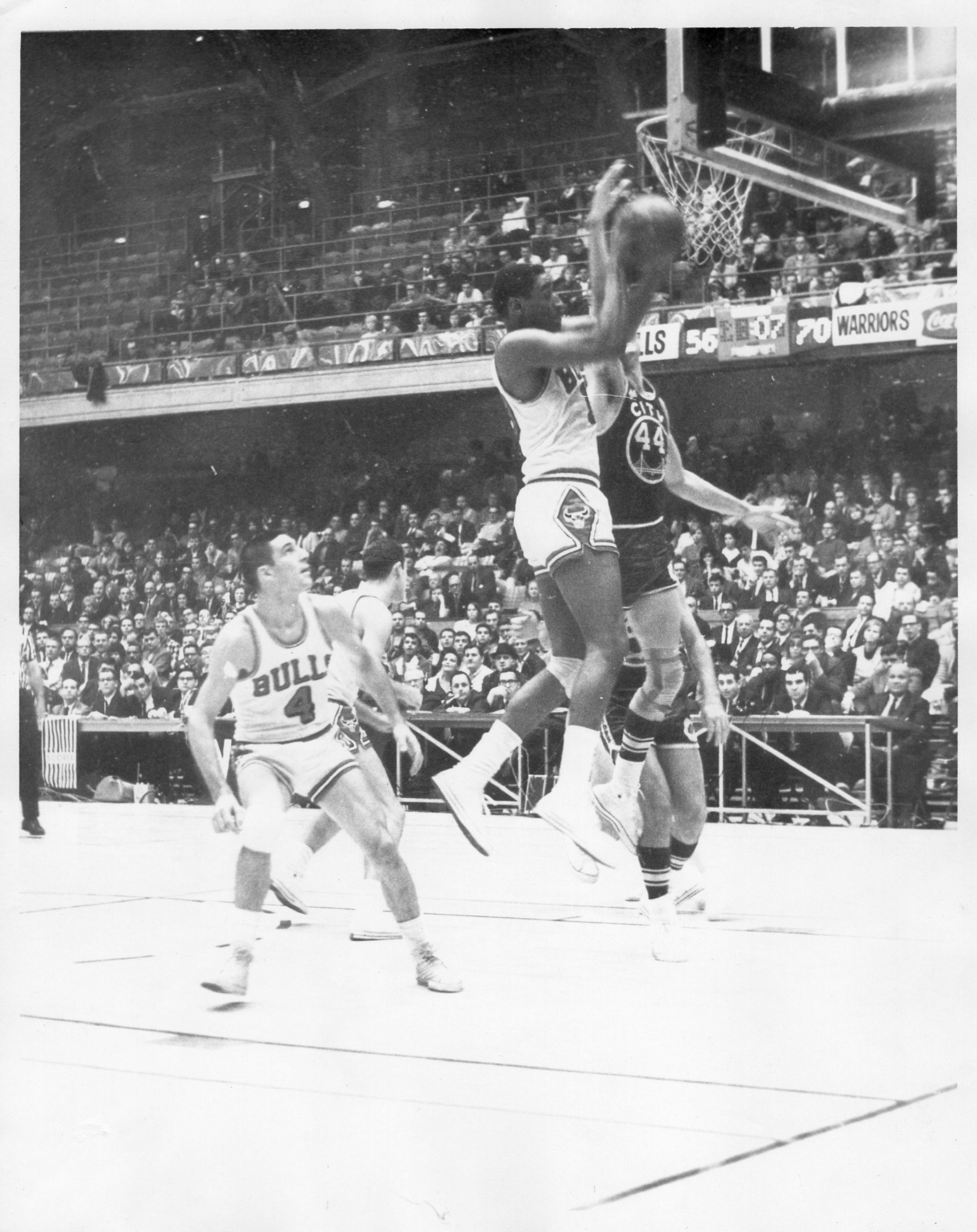 1966-10-18_-_bob_boozer_rebound_v_sfw_br