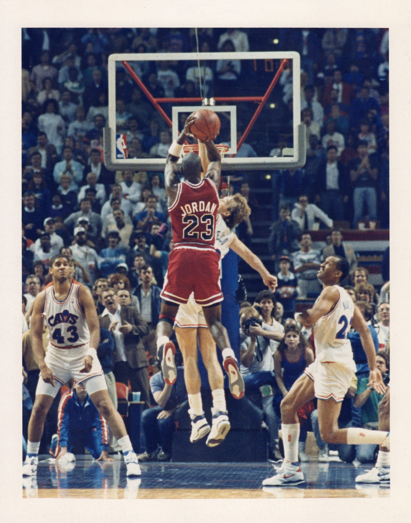 new concept 1f26d acdae The Most Iconic Photos in Bulls History – Chicago Bulls History