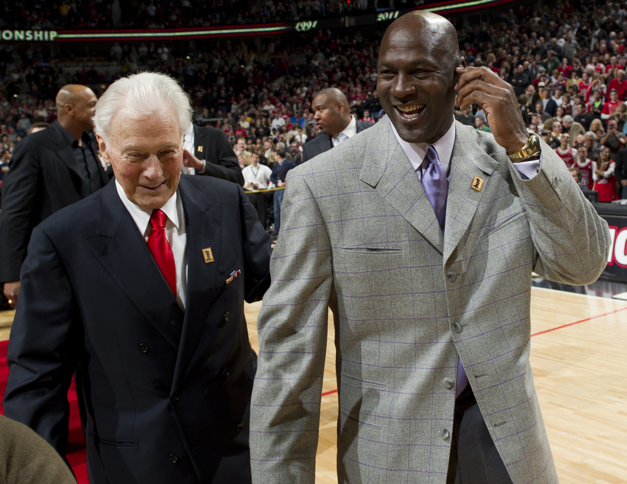 2011 - Johnny Bach & Michael Jordan - v UT 03-12-11_534