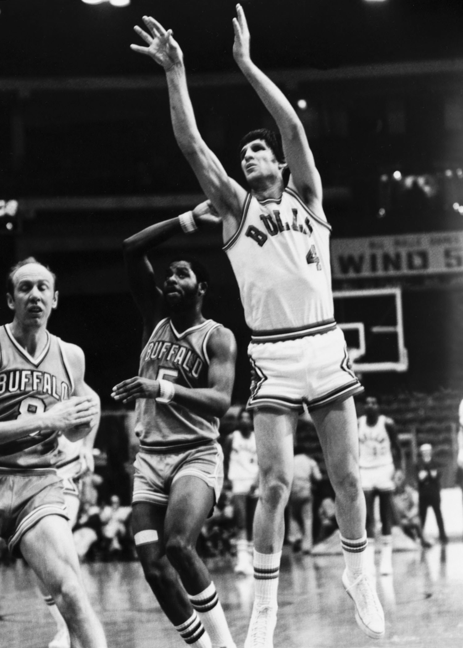 Jerry Sloan shoots the ball