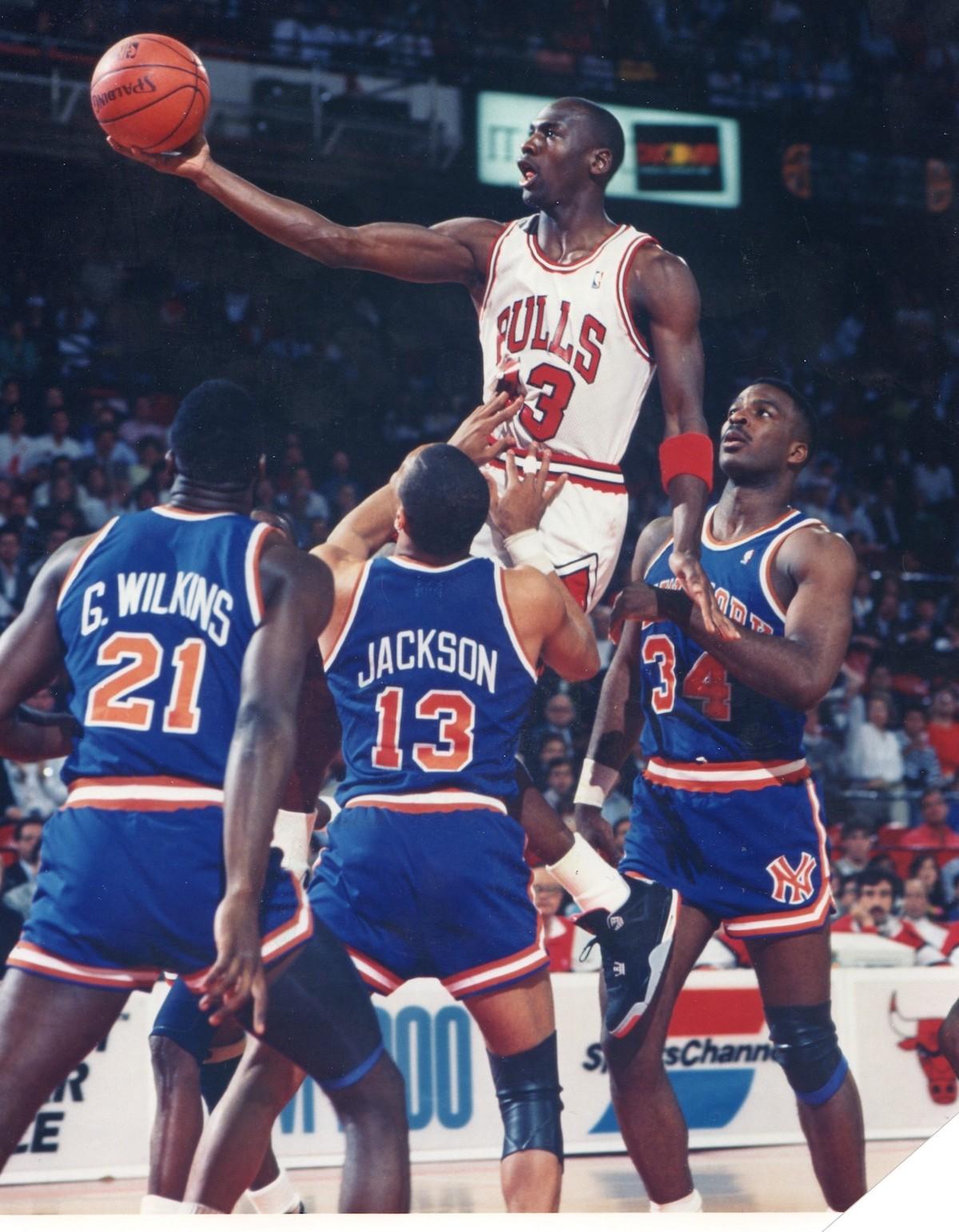 e55bf33950212 Jingle Bulls – Chicago Bulls History